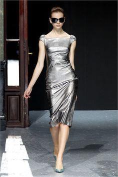 Talbot Runhof    http://images.style.it/imgs/rings/new_moda/sfilate_verticale/004882/talbot_runhof016-629420_0x445.jpg