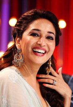 The Dhak Dhak girl of Bollywood has returned to Bollywood and is currently busy with Jhalak Dikhhla Jaa. Indian Actress Photos, Indian Bollywood Actress, Beautiful Bollywood Actress, Most Beautiful Indian Actress, Beautiful Actresses, Indian Actresses, Bollywood Fashion, Madhuri Dixit Saree, Bridal Hair Buns