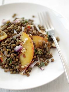Lentil Peach Salad, Wholeliving.com #meatlessmonday