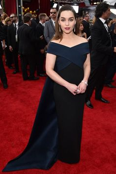 Emilia Clarke Is Wearing Donna Karan Atelier at the 2015 SAG Awards - Pret-a-Reporter