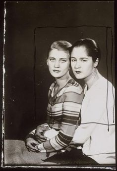 Stripes (Lee Miller and Tanja Ramm, photo by Man Ray, Lee Miller, Vintage Lesbian, Lesbian Love, Vintage Ladies, Man Ray Photographie, Man Ray Photos, Hans Richter, Magazine Vogue, Francis Picabia