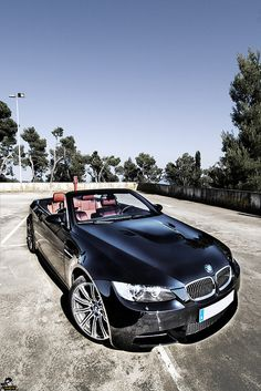 Sia you are KILLING me posting all of these!  Want a Beamer convertible so bad!  Funny enough, I want an older one that I COULD afford!
