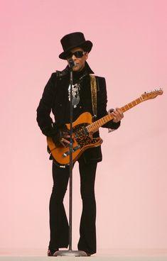 Prince Photo - Matthew Williamson - LFW Spring Summer 2008 - Runway