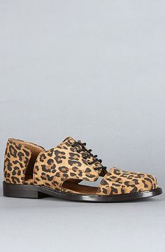 {The Cut Out Flat in Leopard by minimarket} These are amazing. I would wear these like every day.