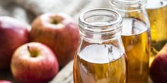 Apple cider vinegar (ACV) is suggested by a few natural remedies websites for acne treatment. They claim that Apple cider vinegar is so great for curing acne because it rebalances the natural acidity to our skin. Apple Cider Vinegar Benefits, Apple Vinegar, Vinegar Diet, White Vinegar, Dieta Candida, Candida Albicans, Candida Diet Recipes, Diabetes Recipes, Vinegar Weight Loss