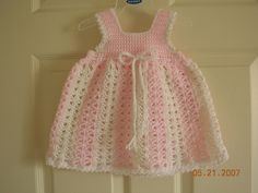 Crochet Baby Girl Dress Free Pattern Link 61 New Ideas Baby Girl Crochet, Crochet Bebe, Crochet Baby Clothes, Crochet For Kids, Free Crochet, Crochet Baby Dress Free Pattern, Crochet Patterns, Pretty Patterns, Baby Patterns