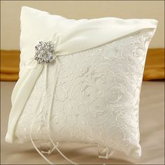 Ring Bearer Pillow - Glamour Brooch - Ivory