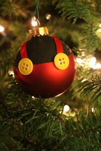 Easy DIY Mickey Mouse ornament - making more for our Disney tree!!