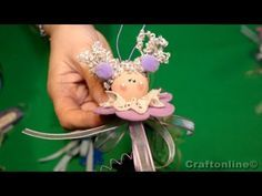 Angel flower tutorial by CraftOnLine. New Years Decorations, Christmas Decorations, Foam Crafts, Diy And Crafts, Homemade Dolls, Fabric Ornaments, Angel Crafts, Christmas Crafts, Christmas Ornaments