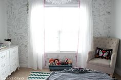 Trace a pattern on the walls using a projector and sharpies! owen's olivia: $5 wall treatment    tutorial