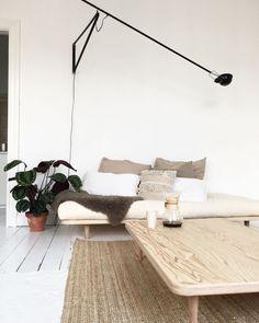 Home Decoration With Indoor Plants Interior Design Living Room, Living Room Designs, Living Room Decor, Minimalist Home Interior, Modern Interior, Deco Design, Home And Deco, Home Decor Inspiration, Decoration