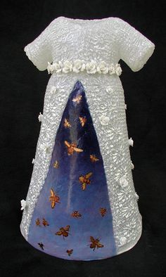"""Kathleen Holmes ~ """"Night Bloomer"""" (April 16 x 10 x 8 in. Cast glass and mixed media Cast Glass, Bottle Painting, Textiles, Oeuvre D'art, Mixed Media Art, Couture Fashion, Sculpture Art, Glass Art, Beautiful"""