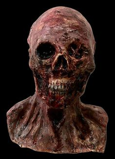 Full Size Skinned Alive Skeleton Head Bloody And Meaty  Great Detail Made From High Quality Latex And Foam 15 Inches Tall
