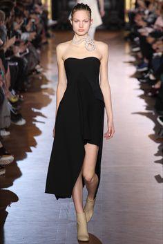 Sfilata Stella McCartney Parigi - Collezioni Autunno Inverno 2015-16 - Vogue