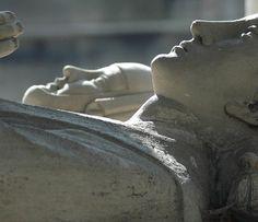 Eloise et Abelard @ Pere Lachaise by kelpatate, via Flickr