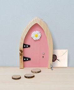 The Irish Fairy Door Company - Fairy Door (With Interactive Online Content) (Pink Arched)