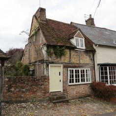 Check out this awesome listing on Airbnb: 17th century cottage Georgian town - Houses for Rent in Alresford