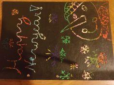 mijn eigen creatie, eerst op een papier strepen van gekleurde wasco gezet, dan met zwarte plakaat verf erover gegaan.  En krassen maar! Met dit als resultaat.