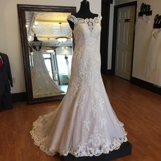 Sheer, lace off-the-shoulder sleeves give this romantic, princess-style wedding dress a unique, boho feeling. Princess Style Wedding Dresses, Wedding Dress Styles, Romantic Princess, Wedding Dress Shopping, Shoulder Sleeve, Formal Wear, Off The Shoulder, Dream Wedding, Boho