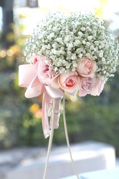Baby's Breath makes the statement with roses as the accent. Recreate this look with any color of roses to match Your color theme. Romantic Wedding Colors, Wedding Wows, Pink Bouquet, Arte Floral, Table Flowers, Bride Bouquets, Bridal Flowers, Floral Arrangements, Beautiful Flowers