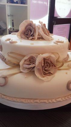 Una torta indimenticabile per un giorno indimenticabile Torte e cioccolato d'autore. #Ilfruttodellapassione laboratorio #cioccolato a Battipaglia http://www.ilfruttodellapassione.it/