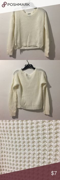 White Pullover Sweater Stay cozy with this off-white sweater. Rock a classic look with this neutral color. Goes with everything! Condition: worn previously, good condition Wet Seal Sweaters Crew & Scoop Necks