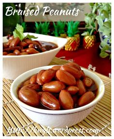 INTRODUCTION Today's post is a simple post on braised peanuts . Whether Teochew or not I am rather unsure but it was always in the menu of Bakuteh stores, Kuih Chap stores and pig organ soup store…