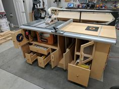 Table Saw/Router station finally done! - by Coachgut @ LumberJocks.com ~ woodworking community Homemade Router Table, Homemade Tables, Workbench Designs, Woodworking Workshop, Woodworking Table Saw, Jet Woodworking Tools, Ridgid Table Saw, Table Saw Workbench, Router Table Plans