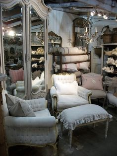 ❥ those chairs!, full bloom cottage~ http://www.fullbloomcottage.blogspot.com/