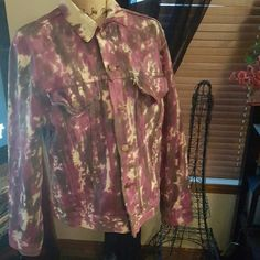 True Vintage tie-dye Levi jacket med. I had a professional artist do this for me in the early 80's. Super cool. I can't believe I'm finally letting it go!!! Levi's Jackets & Coats Jean Jackets