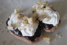 Gaštanové jazýčky • Recept | svetvomne.sk Rum, Muffin, Pudding, Breakfast, Food, Basket, Morning Coffee, Custard Pudding, Essen