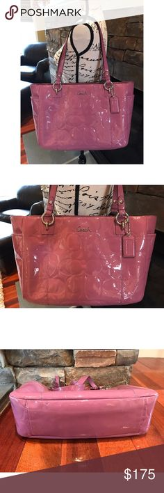 🎀Adorable Pink Patent Leather Oversized Coach🎀 This adorable pink patent leather over sided coach purse is so pretty the pictures do it no justice.🎀💕. The inside lining has a few imperfections because of use, but the outside is in excellent condition!!🎀💕🎉. Smoke free home 🏡 Coach Bags Shoulder Bags
