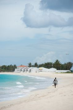 Île paradisiaque des Caraïbes: les immanquables de Saint-Martin (Detour Local) -> La plage de Simpson Bay, la moins connue www.detourlocal.com/saint-martin-caraibes-top-5-sxm/