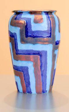 [Iridescent Pottery by Paul J. Katrich (1038)]