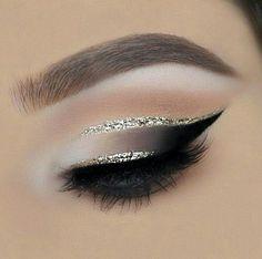 Eye shadow white eyeliner make up 30 Ideas for 2019 Makeup Eye Looks, Eye Makeup Art, Eyeshadow Makeup, Beauty Makeup, Hair Makeup, Hair Beauty, Eyeliner Make-up, White Eyeliner, Eyeliner Hacks