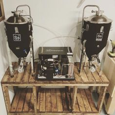 Homebrewing system Below youll find a library of some of the equipment that I use in a typical brewing cycle from grain to glass. Home Brewery, Home Brewing Beer, Make Your Own Beer, How To Make Beer, Beer Maker, Brewing Supplies, Brewery Design, Home Brewing Equipment, Homebrew Recipes