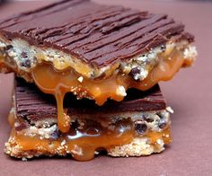 Hugs & CookiesXOXO: CHOCOLATE CHIP COOKIE DOUGH BILLIONAIRE BARS
