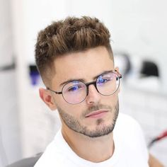 Low Fade Haircut, Textured Haircut, Beard Haircut, Short Quiff, Short Hair Cuts, Short Hair Styles, Short Hair Style Men, Latest Haircuts, Haircuts For Men
