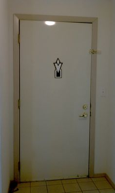 Heh...Heh heh...Kewl. Can I have one for the outside door of my house for when I come home from work?