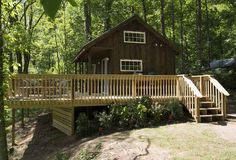 And this Tennessee oasis has enough room for the whole family: