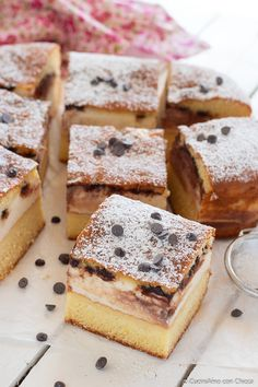 Soft cake with ricotta and chocolate - CuciniAmo con Chicca Cake Mix Recipes, Sweets Recipes, Almond Paste Cookies, Queso Ricotta, Italian Cake, Italy Food, Best Italian Recipes, English Food, Pie Dessert