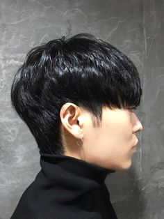 thick hair short mens hairstyles which are really trendy. Mens Hairstyles With Beard, Asian Men Hairstyle, Cool Hairstyles, Korean Hairstyles, Best Short Haircuts, Popular Haircuts, Easy Hair Cuts, Short Hair Cuts, Shot Hair Styles