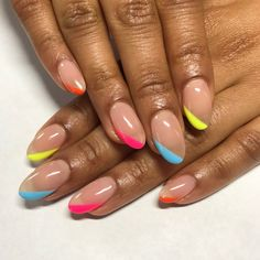 Nail trends will have you re-thinking how you do your nails this Spring! You have to try out these new nail trends just in time for Spring. Bright Summer Nails, Cute Summer Nails, Cute Nails, Nail Summer, Cute Summer Nail Designs, Simple Nail Designs, Round Nail Designs, French Nails, 80s Nails