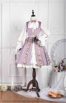 Can picture a cute little pirate hat and a sassy girl in this dress wielding a short sword Kawaii Fashion, Lolita Fashion, Cute Fashion, Pretty Outfits, Pretty Dresses, Beautiful Dresses, Grunge Look, Grunge Style, 90s Grunge