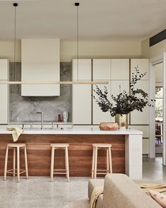 Neutral Kitchen Designs, Green Kitchen Designs, Kitchen Room Design, Kitchen Interior, Kitchen Ideas, Kitchen Color Palettes, Kitchen Colour Schemes, Warm Kitchen Colors, Kitchen Floor Plans