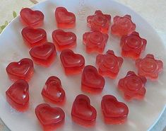 Bonbons - Miss Tupp Candy Recipes, Sweet Recipes, Healthy Recipes, Sweet Desserts, Delicious Desserts, Bonbon Fruit, Tupperware Recipes, Party Fiesta, Homemade Candies