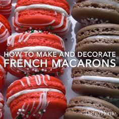 Macarons How to Make and Decorate French Macarons (Perfect for the Holidays!)How to Make and Decorate French Macarons (Perfect for the Holidays! Baking Recipes, Cookie Recipes, Dessert Recipes, French Food Recipes, Baking Ideas, Just Desserts, Delicious Desserts, Yummy Food, Holiday Baking