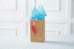 Rainbow Loom® Valentine's Lip Gift Charm
