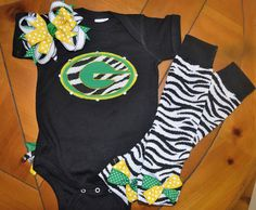 Green Bay Packer baby girl set by missymackdesigns on Etsy Packers Baby, Green Bay Packers, Baby Number 2, Sewing Kids Clothes, My Baby Girl, Baby Girls, Baby Puppies, Baby Time, How To Make Bows