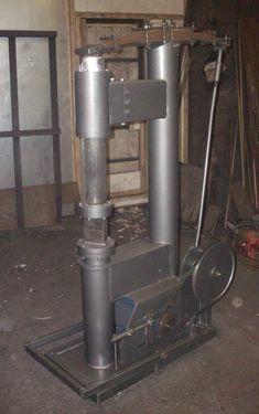 DIY power hammers – gonza-rytec – album na Rajčeti Power Hammer Plans, Blacksmith Power Hammer, Hammer Tool, Blacksmith Forge, Metal Working Machines, Metal Working Tools, Forging Tools, Welding Tools, Hammer Machine